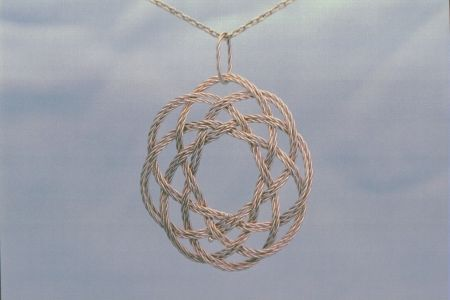 5-lead 8-bight Champagne gold pendant